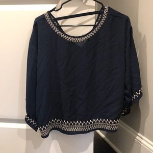 Semi-cropped flowy shirt